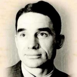 Николай Старостин